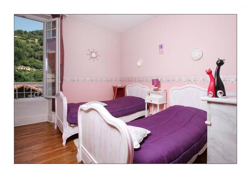 chambres de charme en ard che st sauveur de montagut ard che. Black Bedroom Furniture Sets. Home Design Ideas