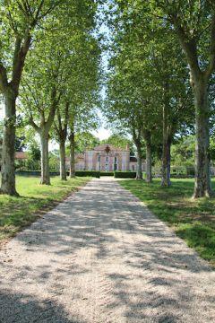 Entrée du Château de Lacaze