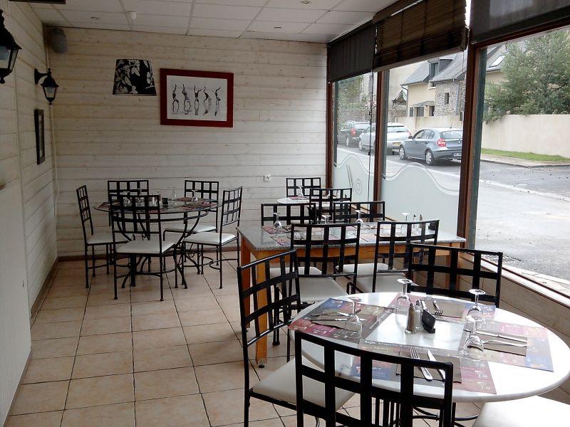 H tel restaurant le petit montmartre h tel for Le miroir restaurant montmartre
