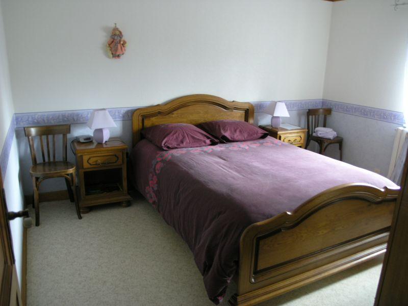 chambre et table d h tes a l 39 avant 39 thur. Black Bedroom Furniture Sets. Home Design Ideas