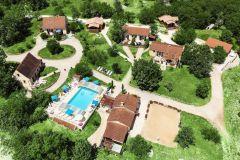 La Truffière gites avec piscine chauffée proche de Sarlat