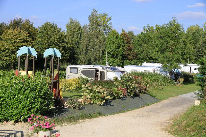 Camping josselin domaine de kerelly camping for Piscine malestroit