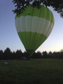 départ en montgolfière,