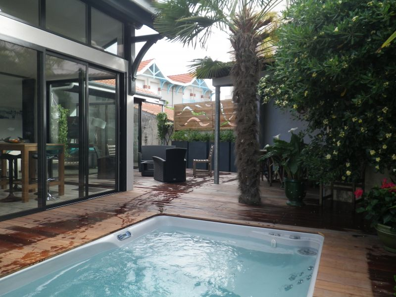 villa de charme 4 avec spa au port de plaisance d 39 arcachon. Black Bedroom Furniture Sets. Home Design Ideas