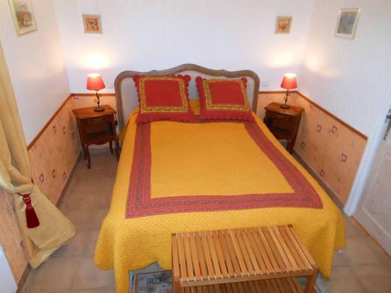 Chambre d 39 h tes les passiflores chambre d 39 h tes - Chambre d hotes roussillon vaucluse ...