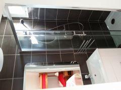 Salle de bain de la chambre quadruple