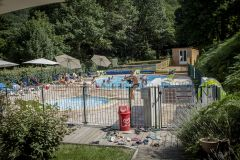 CAMPING LESTAP 3* PISCINE CHAUFFÉE SNACK CHÂTEAU GONFLABLE
