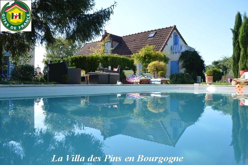 Le gite la villa des pins avec piscine entre loire et morvan bourgogne - Gite dans les landes avec piscine ...