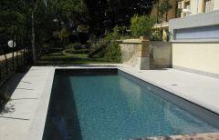 la piscine de la Villa Roassieux