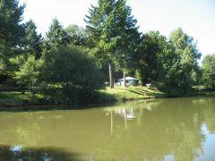camper au bord de l'eau