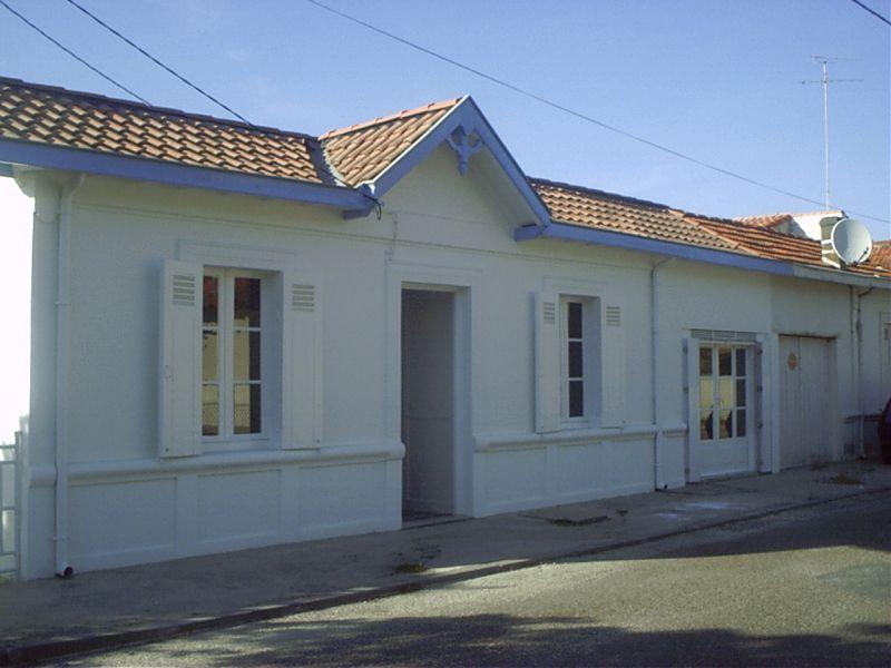 Villa grailly villa traditionnelle ind pendante 4 6 for Villa traditionnelle