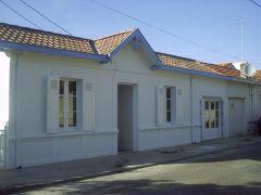 VILLA GRAILLY - Villa traditionnelle indépendante- 4 à 6 personnes- 5mn plage centrale- sur terrain