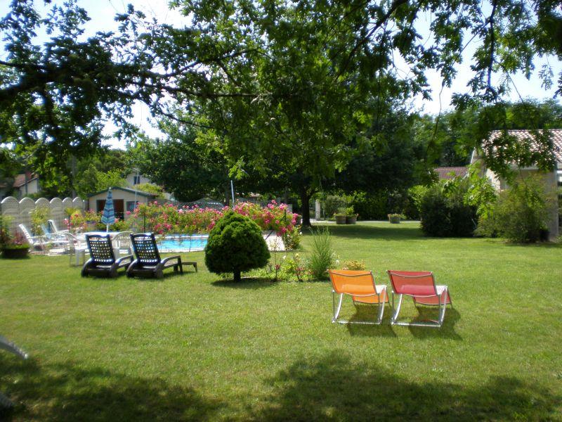 Le jardin des oiseaux voie verte mios bazas - Chambre d hotes paray le monial ...