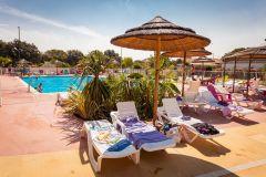 La piscine chauffée du Camping Domaine de Gajan