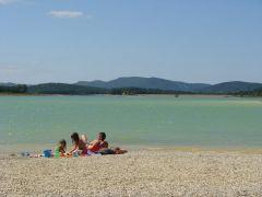 Camping LE FORT, Vue imprenable sur le lac de Montbel et les Pyrénées