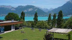 Solarium vue sur le lac d'Annecy