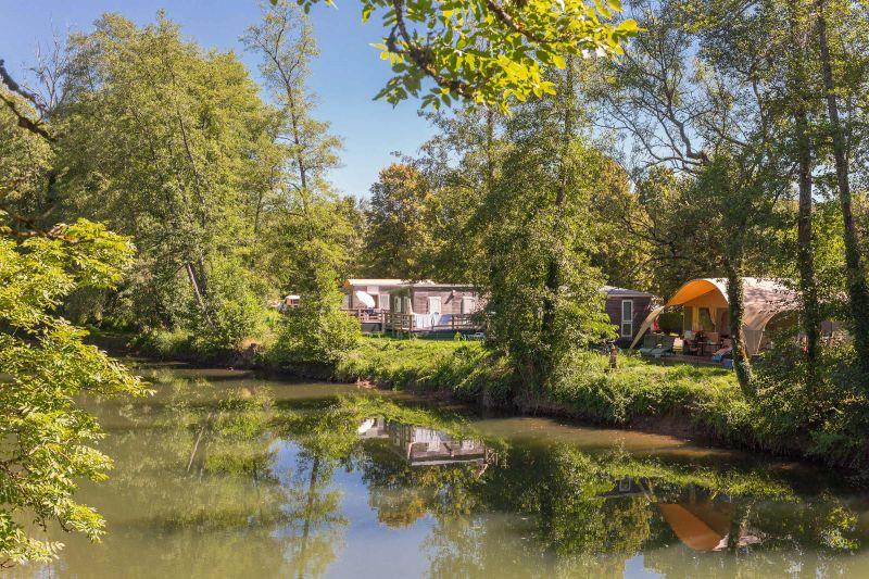 Hébergements en bordure de rivière