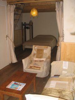 SAlon et chambre rez-de-chaussée
