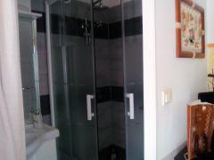 salle de bain de la chambre indépendante