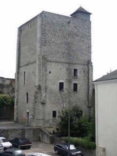 TOUR BEAUVOIR - DONJON DU XII é s . PLUS VIEUX MONUMENT DE BLOIS