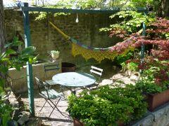 coin jardin ombragé