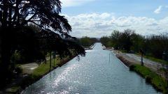 Le canal tout près