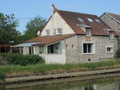 chambres d'hotes 'au bord du canal' Vandenesse en Auxois