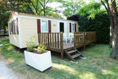 CAMPING ROCHECONDRIE location cabanon bois et mobil-home