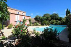 Notre Maison - Une Grande Maison avec une piscine privee